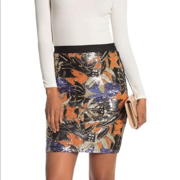 WOW couture Dresses & Skirts - Wow Couture sequin bandage mini skirt